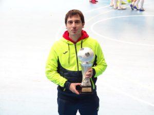 Fer, entrenador Cet10 de Barcelona